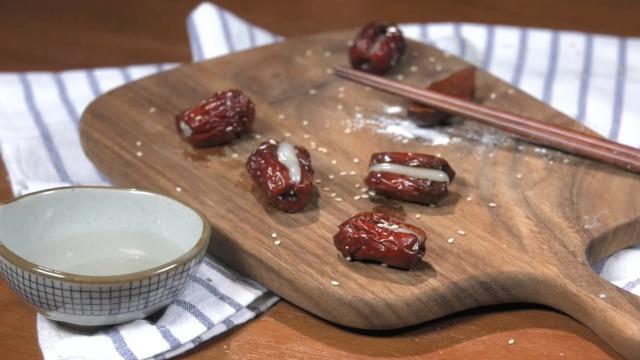 【美味一分钟】心软的红枣糯米球