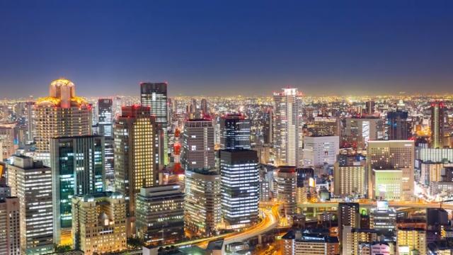 日本的摩天大楼如何防震?