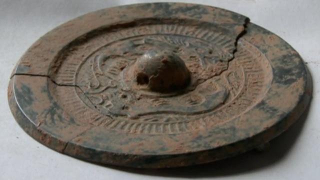 2汉唐古墓出土文物27件,唐瓷更成熟