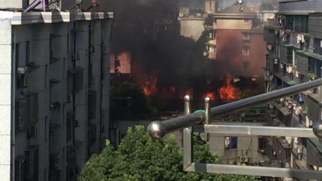 突发!杭州古墩路煤气瓶爆炸