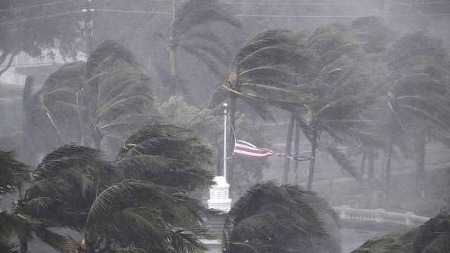 """实拍佛罗里达恐怖飓风""""厄玛"""""""