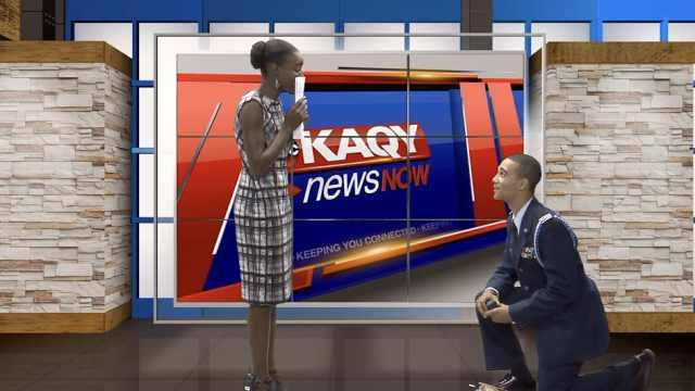 男友突入直播求婚,主播成当天新闻