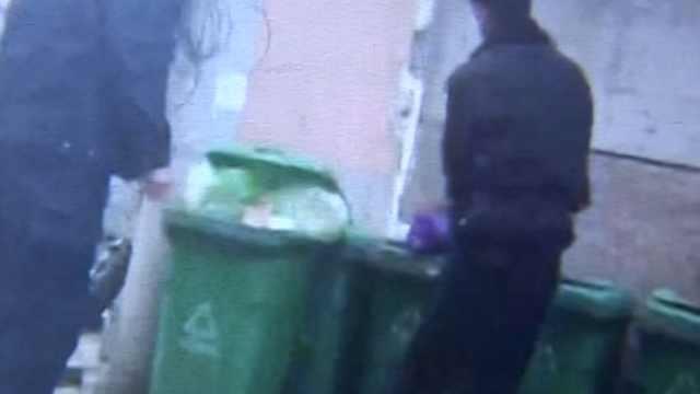 垃圾桶惊现婴儿,目击者:全身发紫