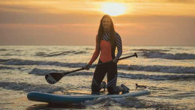 首位女性!她患癌后横渡英吉利海峡