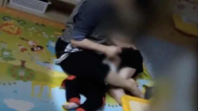 韩国幼儿园教师,强迫一岁儿童吃药
