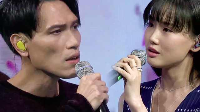 杨宗纬和黄龄深情演唱《凉凉》