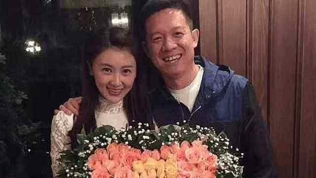 贾跃亭妻子甘薇也跑到美国了