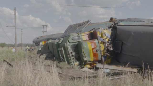 南非火车相撞后续:卡车司机未停车