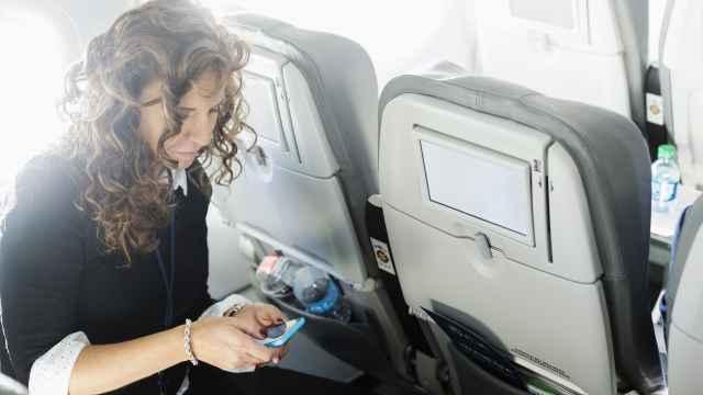 坐飞机可以玩手机了:东航率先开禁
