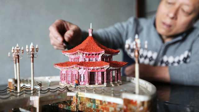 他用贝壳还原青岛百年老建筑