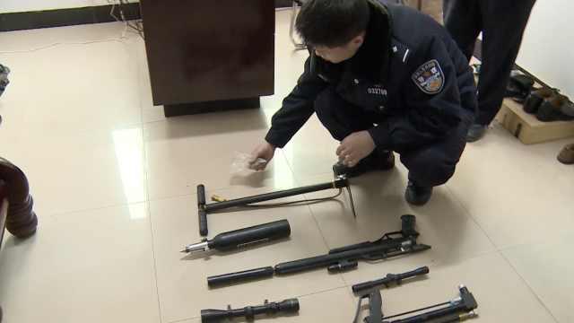 他们私藏火枪&弹药,民警上门收缴