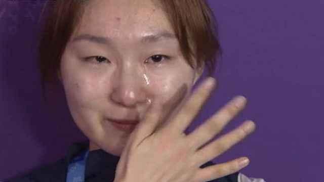韩短道选手哭诉:犯没犯规我不清楚