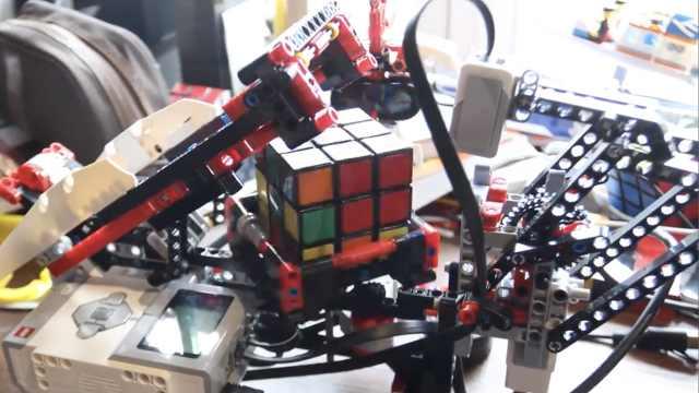 机器人全自动解魔方:还原只用25步