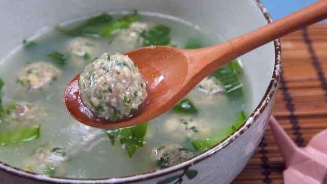 胃口不开,做个荠菜豆腐丸子汤