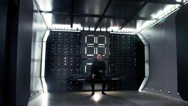 几分钟看科幻片《无限密室》