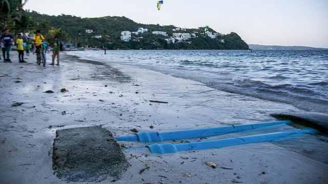 @游客,菲律宾宣布封闭长滩岛6个月
