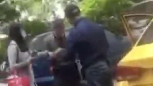 女子约车后拒乘遭辱骂,司机被停岗