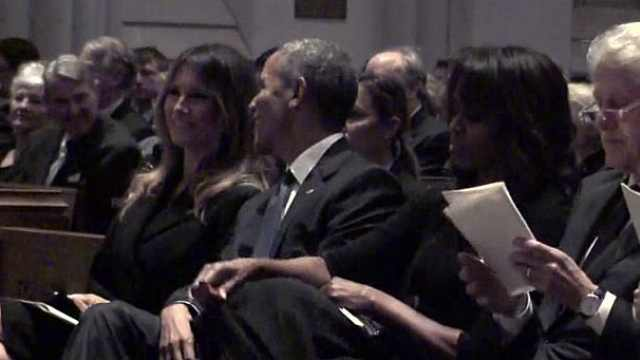 第一夫人竟然笑了!不过是对奥巴马