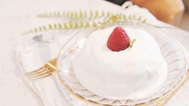 草莓舒芙蕾蛋糕,自制奶油蛋奶酥