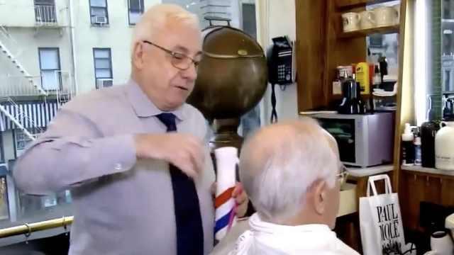 川普理发师:遮住秃顶要花很多功夫