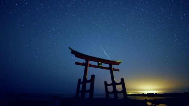 这影片拍了八年,跑遍日本宣传美景