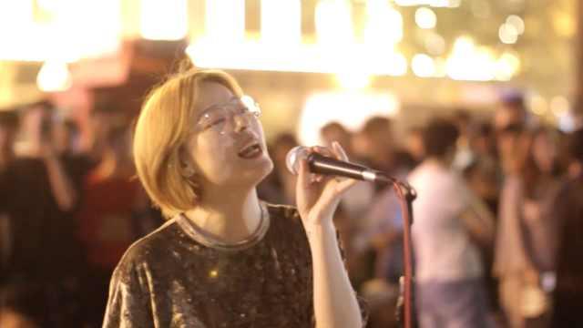 她街头唱歌走红网络,2周涨粉百万