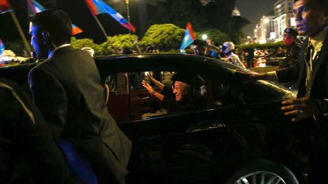 9:30宣誓,马哈蒂尔已抵达马来王宫