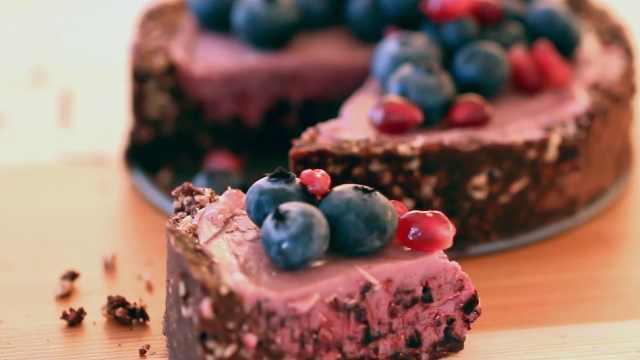 自制好吃的水果巧克力馅饼
