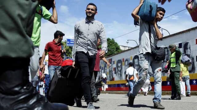 难活!66万委内瑞拉人逃往哥伦比亚