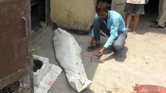 印度三男藏母親尸體數月騙領撫恤金