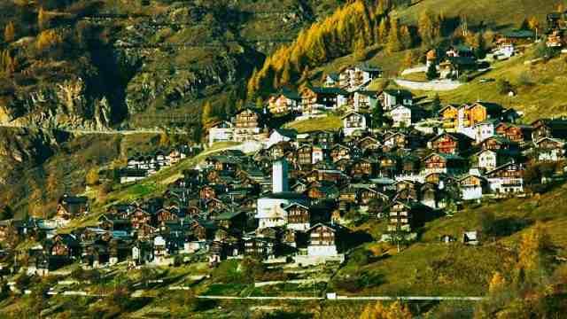 直播:倒贴70万!瑞士小镇吸引移民