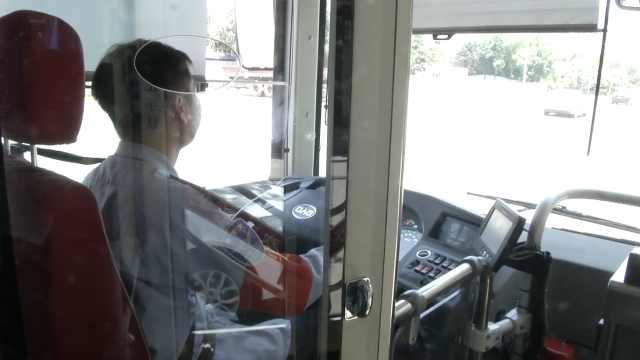 公交司机被女乘客偷手机:我很伤心