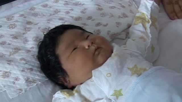 奇!她产13.5斤女婴:头胎也是10斤多