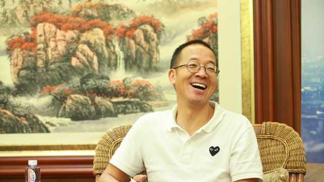 俞敏洪:用割猪草经历挖来最好老师