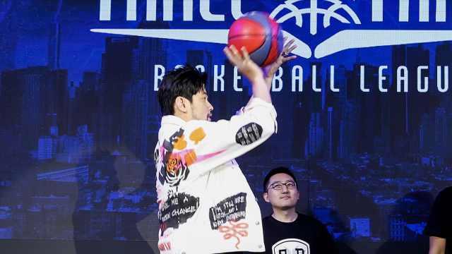 周杰伦:我为了长高才打篮球