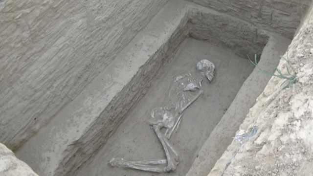又现古墓群!一城中村挖出百余古墓