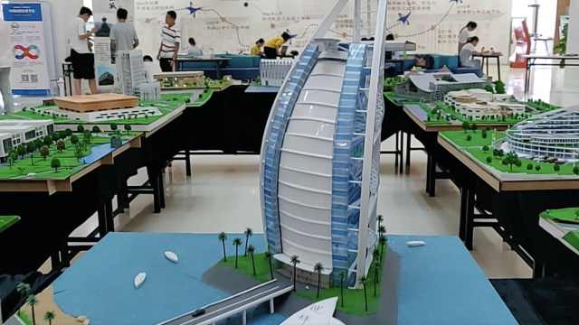 学生用废料,做微缩版世界知名建筑