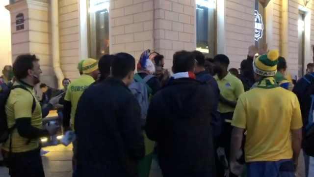 阿根廷凉凉,巴西球迷竟涌上街狂欢