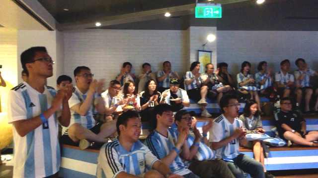 50名阿根廷球迷赴俄看比赛:是信仰