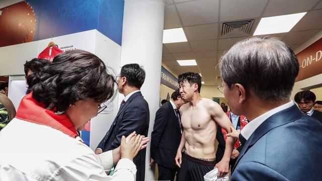 韩总统赛后慰问,孙兴慜缩角落痛哭
