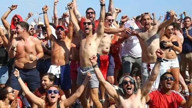 等不及了!克罗地亚球迷坐等半决赛