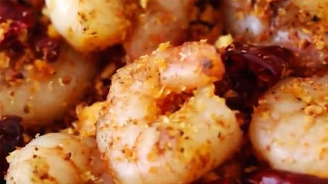 外酥里嫩的面包屑炒虾
