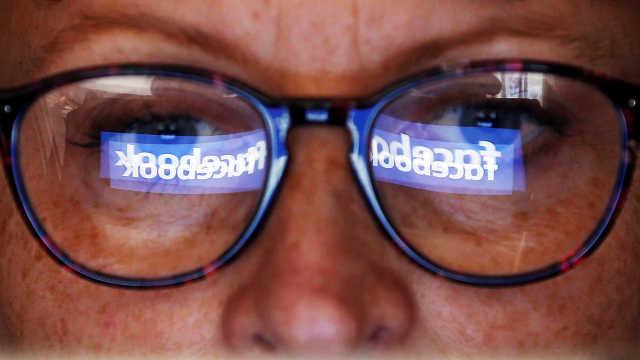 脸书股价暴跌20%,小扎损失200亿