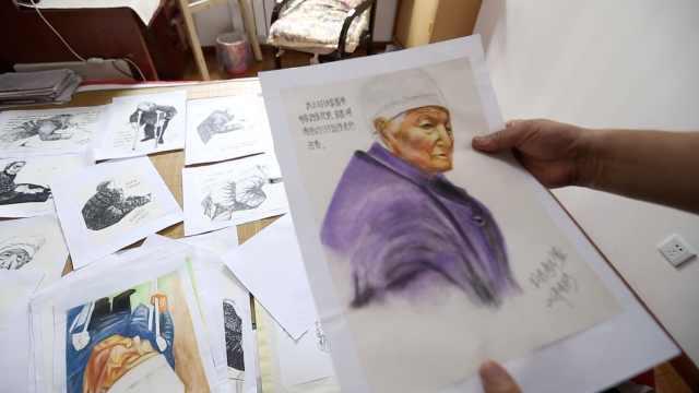 老母亲去世,6旬儿画200素描留住她