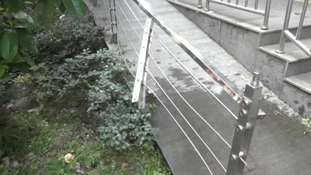 4岁男孩11楼坠下,6旬奶奶当时在家