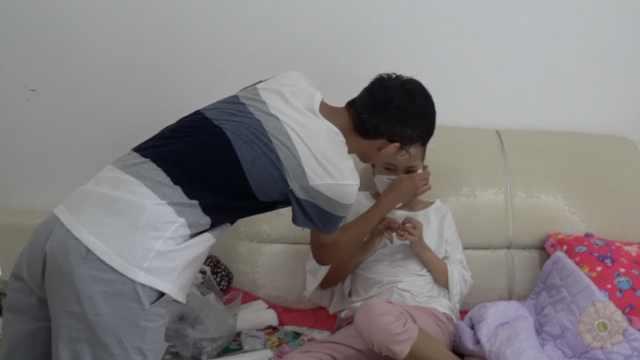 曾为病妹跪地乞讨,他复读考上重本
