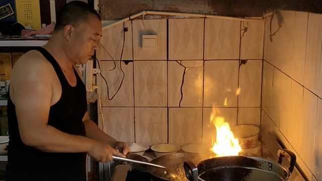 餐馆老板凭心情做菜,每天只卖2小时