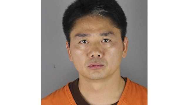 美警方:刘强东涉嫌性侵被捕后保释