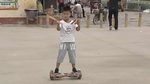 七岁娃踏平衡车说快书,登星光大道