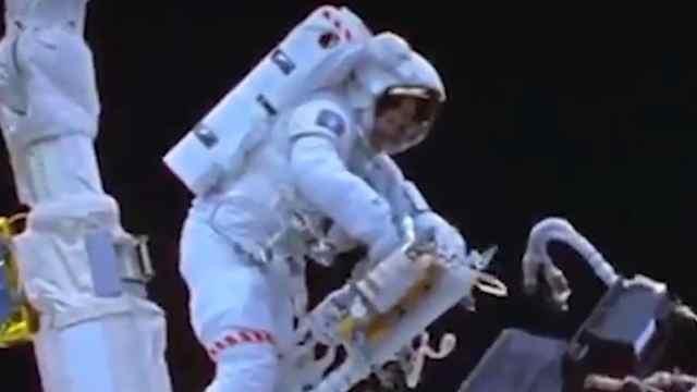 宇航员遇难后,怎么处理尸体?